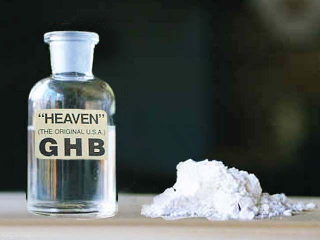 """La Gamma OH es una de las Nuevas Sustancias Psicoactivas (NSP) conocida bajo distintos nombres, de los cuales los más corrientes son el """"GHB"""", """"GHB2"""", Éxtasis Líquido. Es vendido en forma de polvo o en gránulos que se disuelven en agua."""